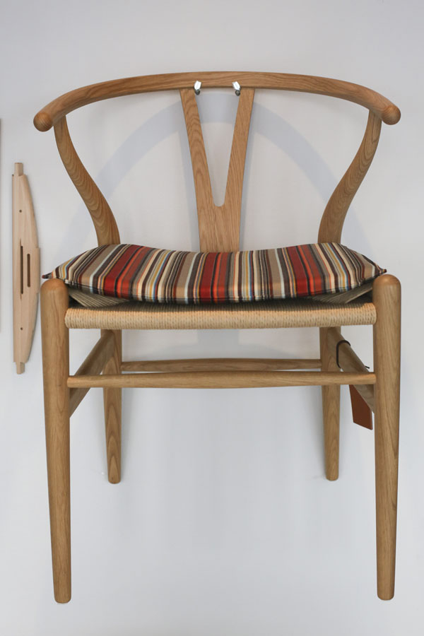 Y Chair by I56A1897a