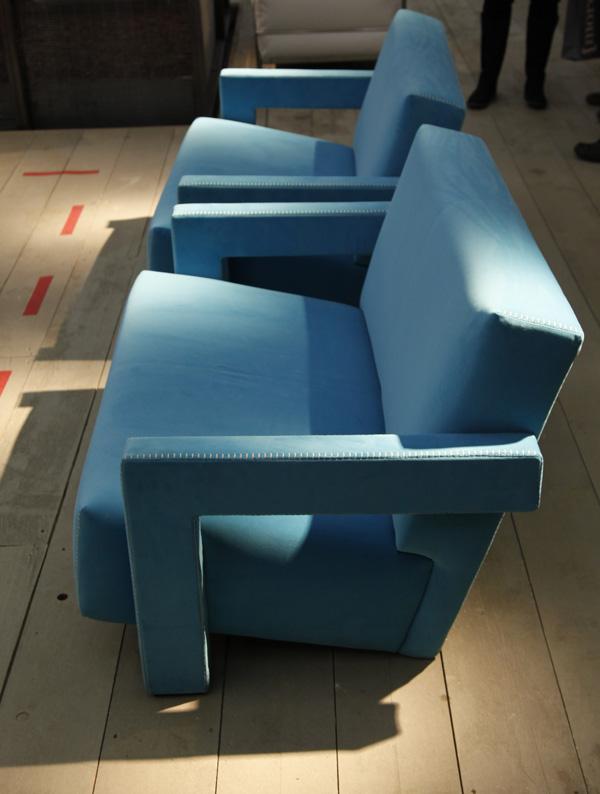Blue-Utrecht-Settee-by-Rietvelt