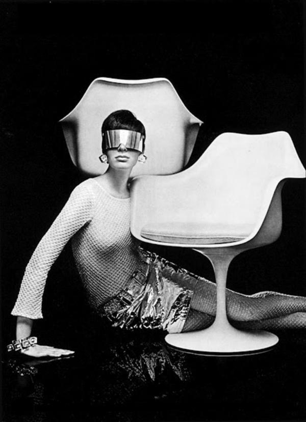 Saarinen Tulip Stool Tulip Chair by Eero Saarinen