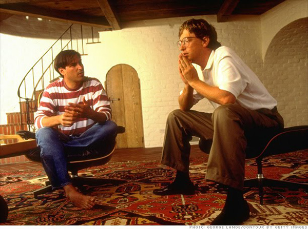 Steve-Jobs-and-Bill-Gates-Sharing-Eames